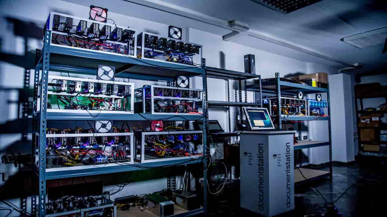fabbrica bitcoin milano