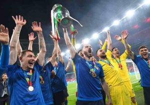 L'Italia del Mancio festeggia sotto l'Arco di Wembley il suo secondo Europeo - MeteoWeek.com