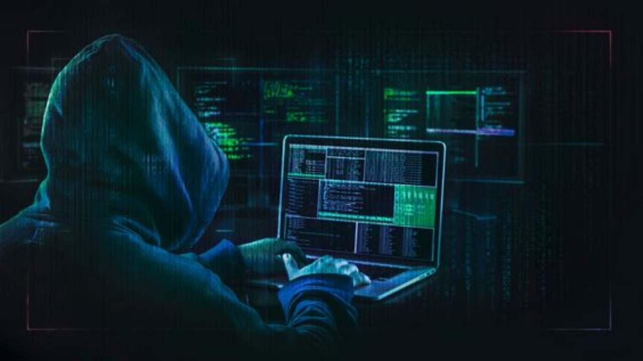 Attacco hacker a Tim: utenti a rischio dati e addebiti sul loro credito
