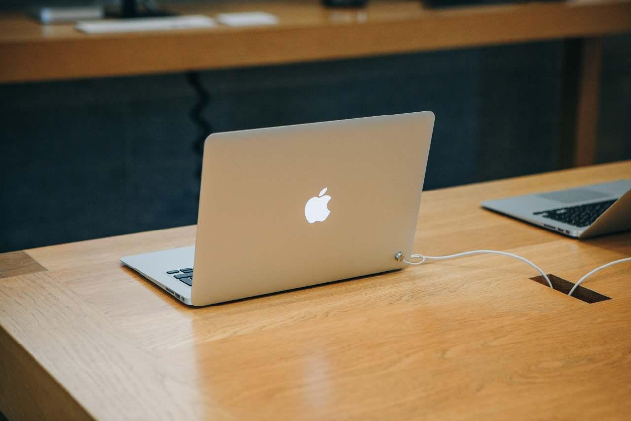 Attualmente, MacBook Air sfoggia un display Retina da 13,3 pollici con retroilluminazione a LED standard - MeteoWeek.com