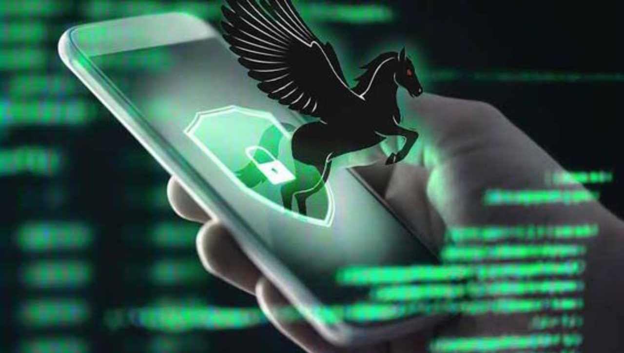 Un aggiornamento d'emergenza per proteggere la nostra privacy. Ecco l'ultima trovata di Apple