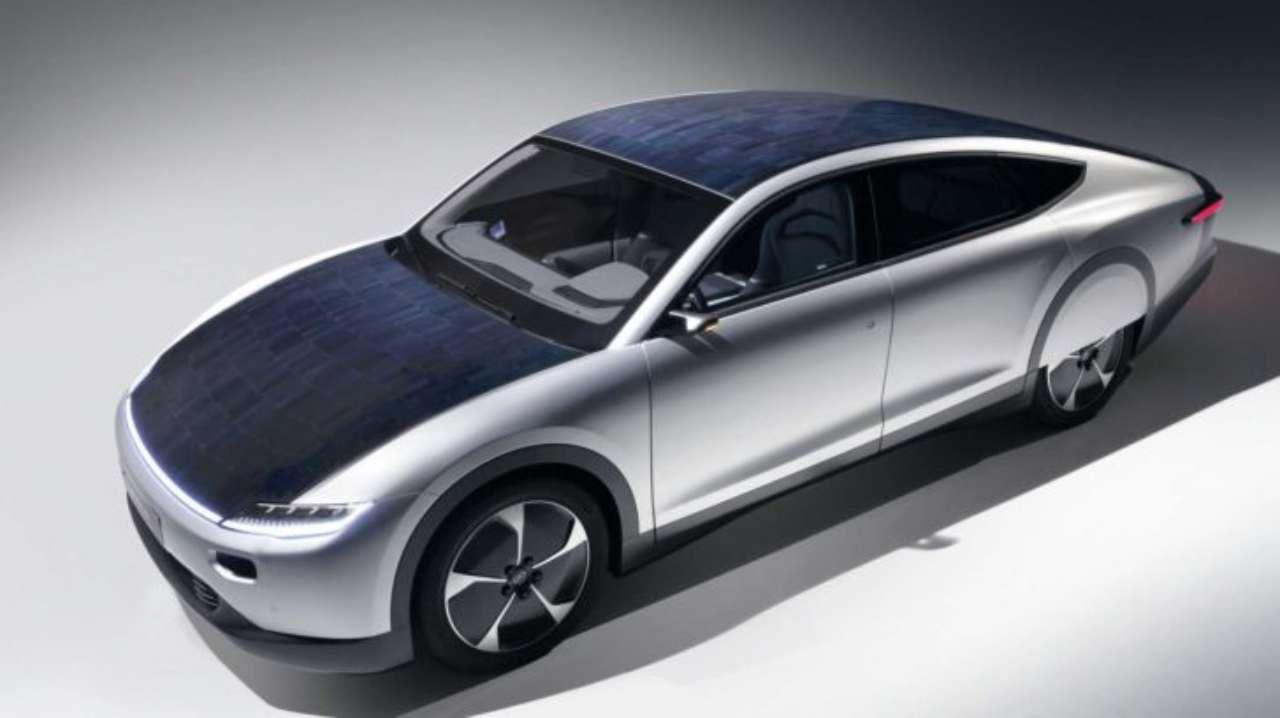 Lightyear ha raccolto 110milioni per produrre l'auto elettrica fotovoltaica