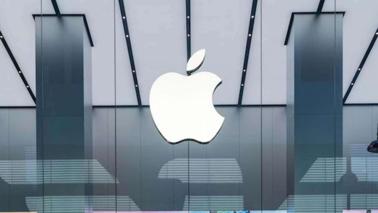 Samsung prende in giro i nuovi schermi Promotion di Apple: ecco come e perché
